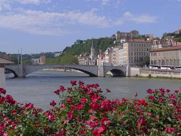 フランス 3ヶ月留学 費用
