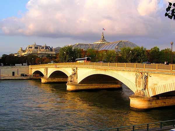 フランス 1週間留学 費用