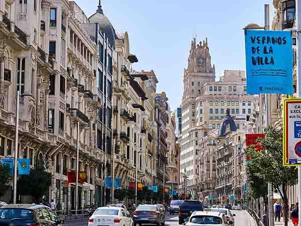 スペイン 1週間留学 費用