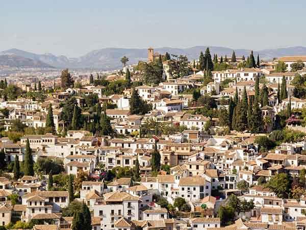スペイン 6ヶ月(半年)留学 費用