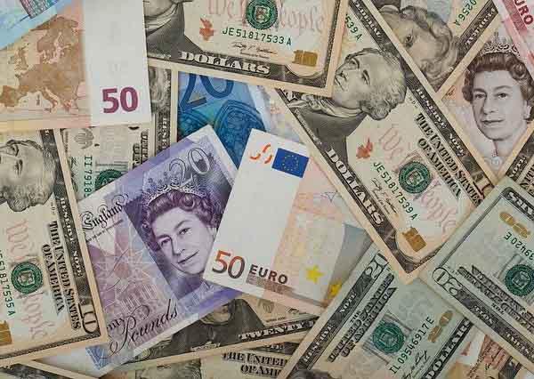 留学や海外旅行時に基準となる為替レート