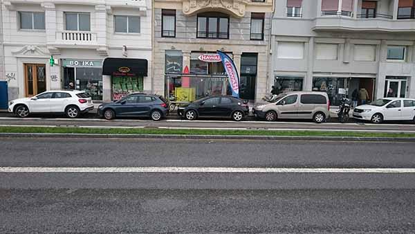 スペイン路上駐車